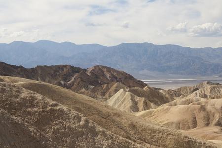 ザブリスキーポイントの美しい化石砂の砂丘、デスバレー国立公園、カリフォルニア、アメリカ。 写真素材 - 85101355