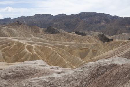 ザブリスキー ポイント、デスバレー国立公園、カリフォルニア州、アメリカの美しい化石の砂丘。 写真素材 - 85101358