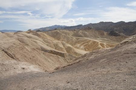 ザブリスキー ポイント、デスバレー国立公園、カリフォルニア州、アメリカの美しい化石の砂丘。 写真素材 - 85101359