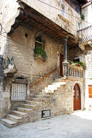Old street of the city of Trogir, Croatia Standard-Bild