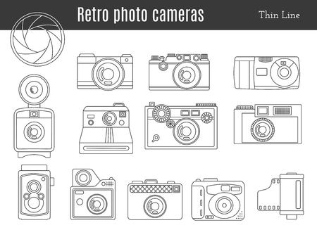 Collection of old retro photo cameras, shutter aperture and film in cartridge. Monochromatic thin line style icons. Vintage graphic design elements isolate on a white background. Vectores
