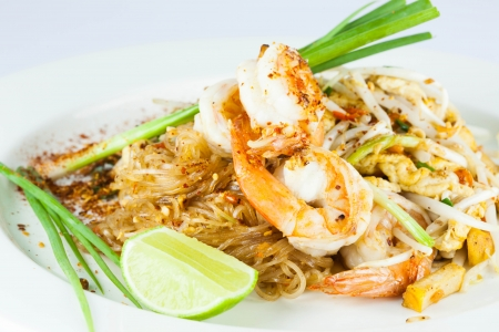 stir fried noodle with shrimp photo