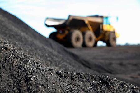 Mining Dump Truck transporting Manganese for processing 版權商用圖片