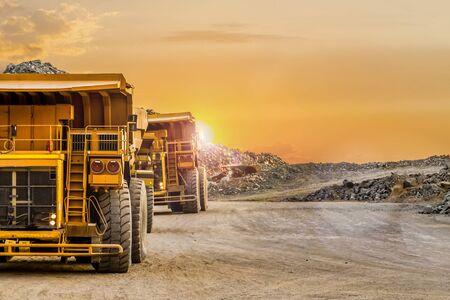 Dump Trucks transporting Platinum ore for processing Stock fotó