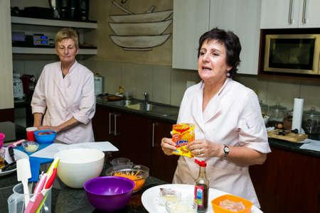 Johannesburg, Afrique du Sud - 16 mars 2013 : Nestlé Low Salt Cooking Class