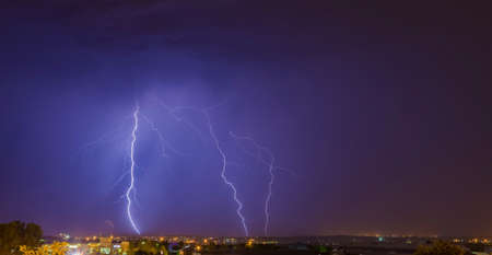 Large Lightning Strike from cloud to ground in Johannesburg South Africa Foto de archivo
