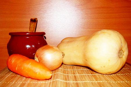 clay pot: Still Life, vegetables, pumpkin, carrots, onion, clay pot, vitamins, useful, just