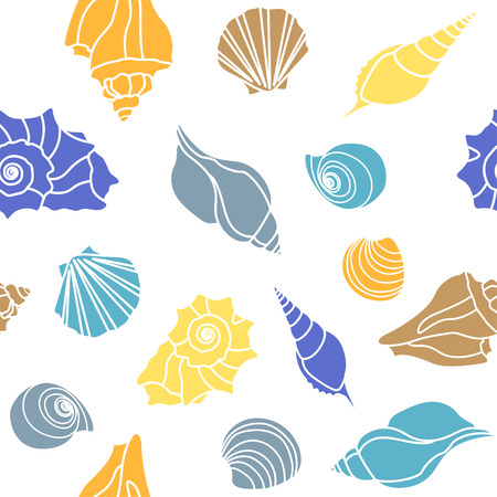 conch shell: sea shells - scallop, shell, conch and mollusk. Seamless on white