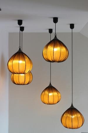 abatjour: Turno paralumi eleganti pendono dal soffitto