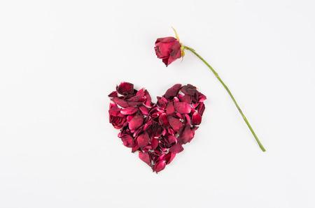 Dried rose petal, die heart.