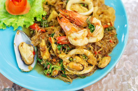 vermicelli fried with spicy seafood.