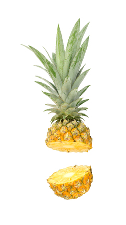ripe pineapple on a white background. 版權商用圖片