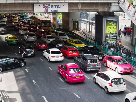 Phayathai, Bangkok  Thailand - December 28, 2019: High Angle View of Traffic Jam Street in Bangkok 에디토리얼