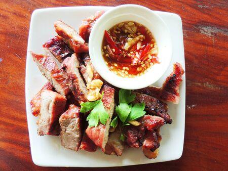 runner bean: Roast the pork  with sauce
