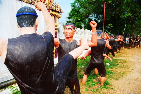 combative sport: Thai boxing