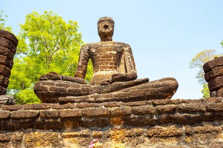 Buddha statue made Made from cement , Thailand 免版税图像