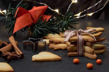 Christmas decor with cookies and ribbons Stock fotó - 127834379