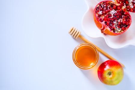 リンゴ、ザクロ、蜂蜜新年祭のため 写真素材
