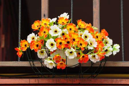 Vaso di fiori decorato a casa