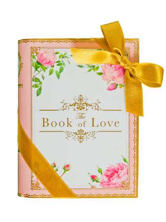 journal intime: le livre d'amour sur fond blanc