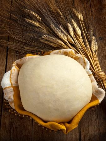 canasta de pan: La masa para el pan Foto de archivo