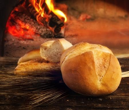 bakery oven: Loaf of freshly baked bread