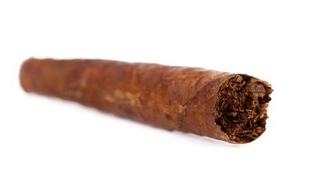 tabaco: Cigarro tabaco puro aislado en blanco