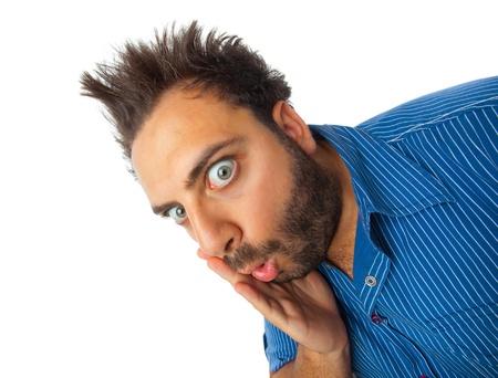 gente loca: Chico joven con una expresi�n de sorpresa en el fondo blanco