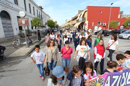 casal: MONDRAGONE, ITALY  OCTOBER 16   Marcia per la vita , protest of the people against the Camorra, the toxic waste and the burning of garbage on 16 october 2013