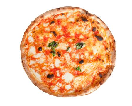 白い背景で隔離のモッツァレラチーズのピザ マルゲリータ