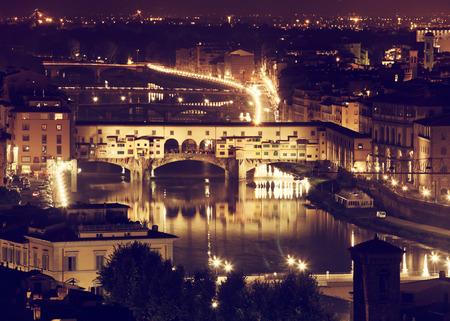 ponte vecchio: Florence, Arno River and Ponte Vecchio by night, Italy.