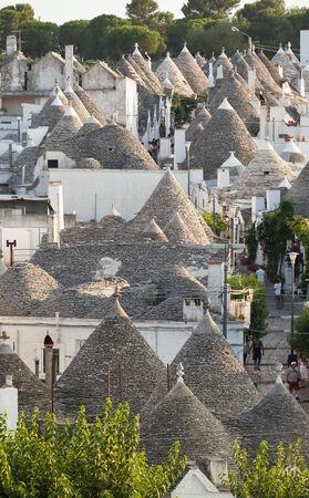 trulli: Trulli, the typical old houses in Alberobello in Puglia, Italy.