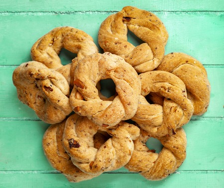 Neapolitan cookies called Taralli. They are made in Naples with pig suet, almonds and black pepper. 스톡 콘텐츠