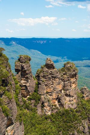 three sisters: Three Sisters in the Blue Mountains