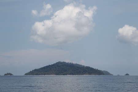 scenic views: viste panoramiche della costa dell'arcipelago Koh Lipe Island, Thailandia, Sud-Est asiatico