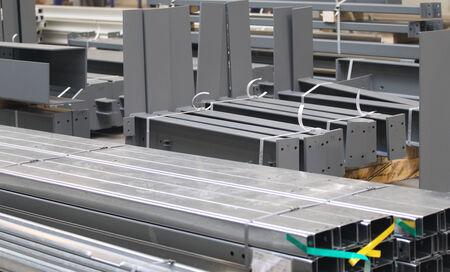 Verschillende elementen van staalconstructies voor verdere montage