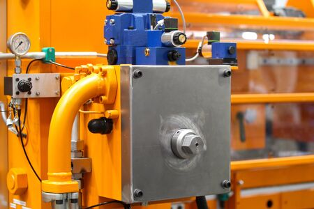machines: element of the details of industrial metal cutting machines