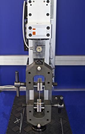 Leiter der Prüfmaschine für verschiedene Materialien Standard-Bild - 50673976