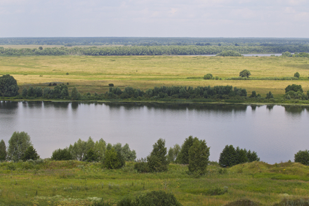 View of the Oka River near the village of Konstantinovo, Ryazan Region, Russia Standard-Bild - 111287826