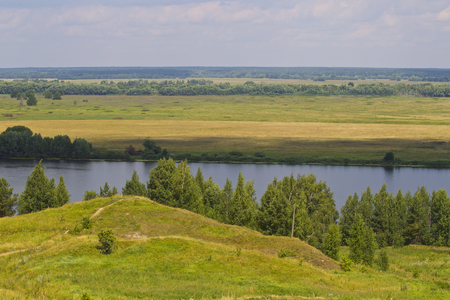View of the Oka River near the village of Konstantinovo, Ryazan Region, Russia Standard-Bild - 111287722