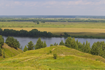 View of the Oka River near the village of Konstantinovo, Ryazan Region, Russia Standard-Bild - 111287723