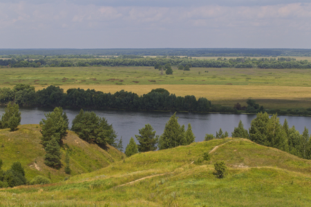 View of the Oka River near the village of Konstantinovo, Ryazan Region, Russia Standard-Bild - 111287724