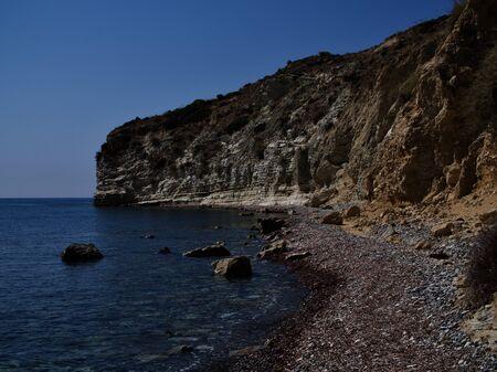 Vue sur la côte de la station balnéaire de Pissouri, Chypre, Mer Méditerranée Banque d'images