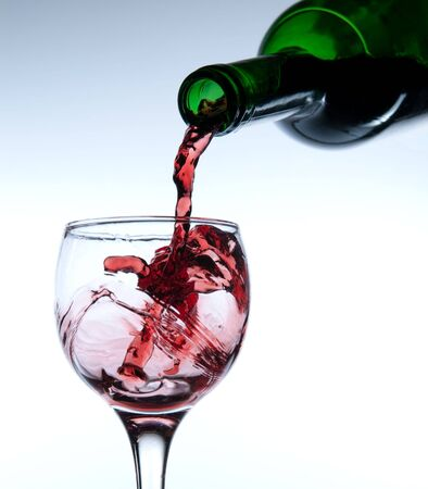 Red wine pour in a glass Stock Photo - 3762702