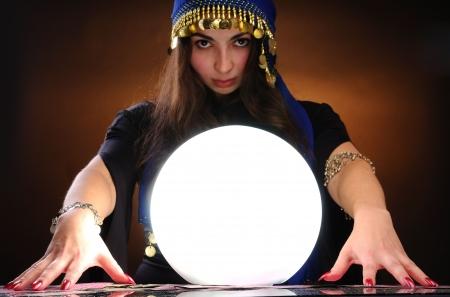 teller: Fortuneteller at work