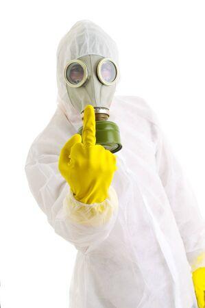 riesgo biologico: Hombre en ropa protectora. Aislado en blanco.  Foto de archivo