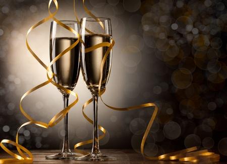 botella champa�a: Par copa de champ�n Foto de archivo