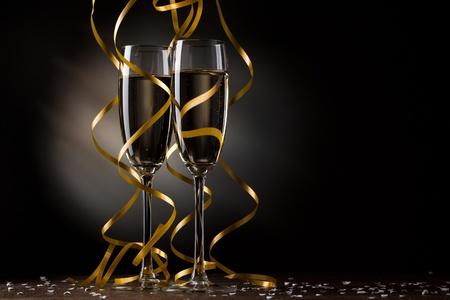 brindisi spumante: Coppia bicchiere di champagne Archivio Fotografico