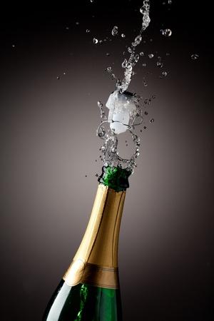 botella champagne: Apertura botella de champ�n