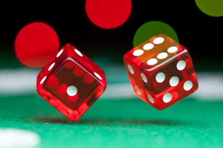 Two dice Stock Photo - 14484436